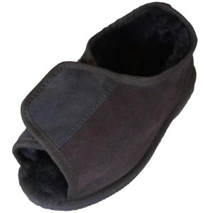 medi-ugg-slipper-chocolate-angle